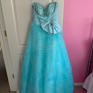 MacDougal Couture Tiffany Blue prom/formal dress